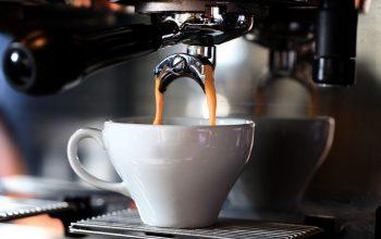 Kolbowe ekspresy idealne do kawiarni