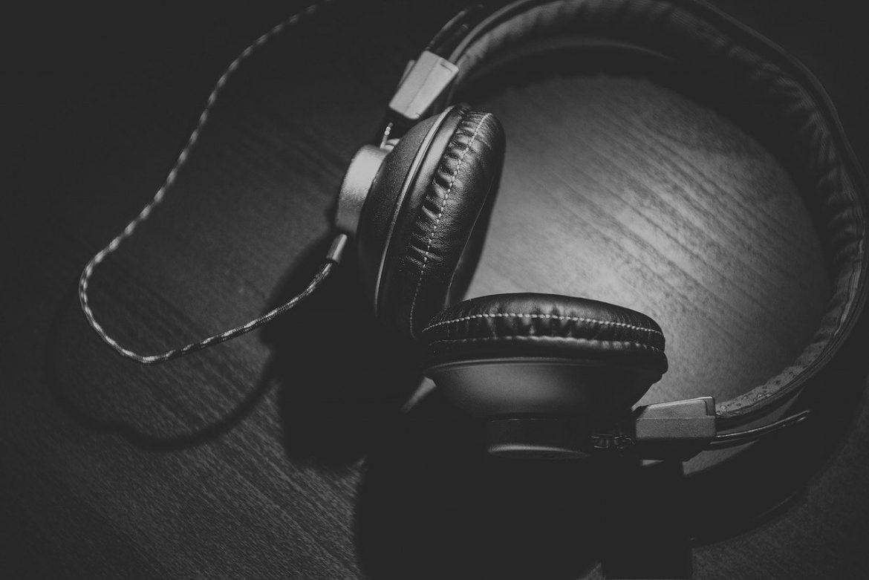 Wybór słuchawek – czym się kierować?