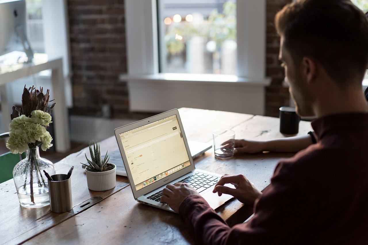 Jak stworzyć nowy sklep internetowy?